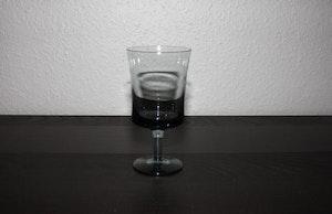 Ölglas från Åfors av Bertil Vallien