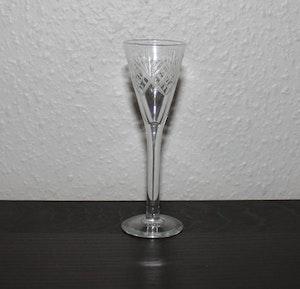 Helgaslipat snapsglas 1900talets början