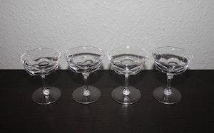 4st likörglas med sexkantiga ben