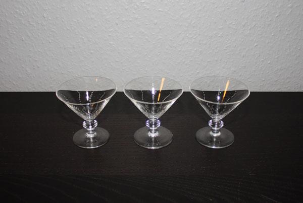 3st likörglas med slipat mönster