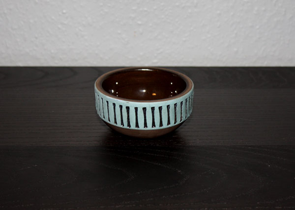 Handdrejad skål från Tomas Anagrius Blå dekor
