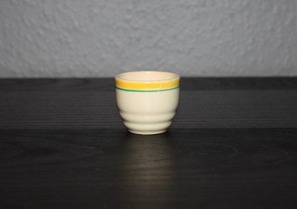Äggkopp Gammal med gulgrön dekor