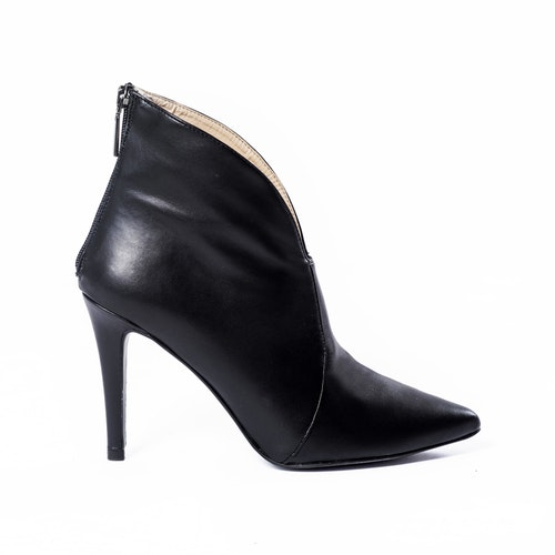 NICE ankel-boot in plantleather