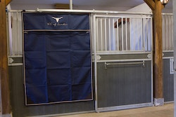 Stable Curtain - Royal King