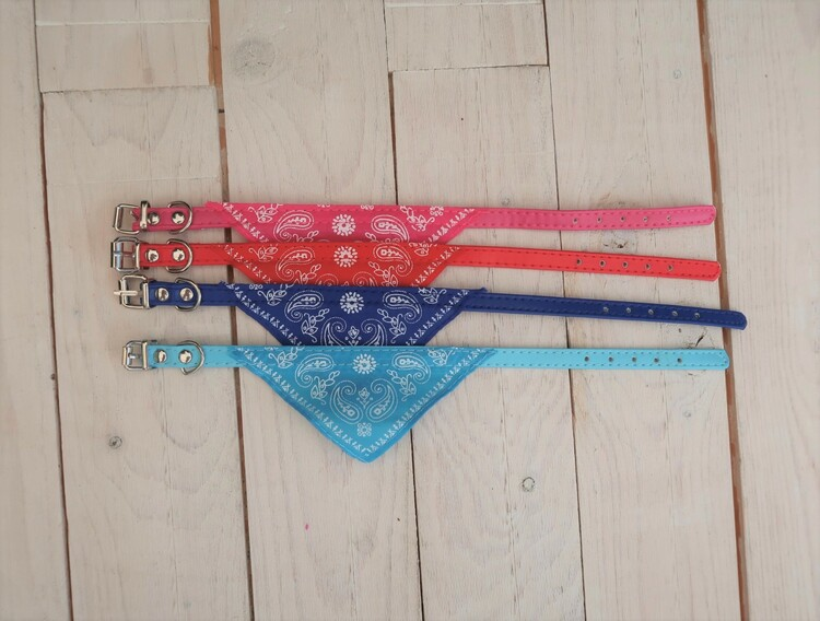 Halsband med scarves, small