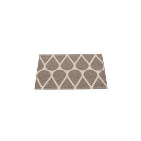 Pappelina matta Otis dark mud · linen 70x50 cm