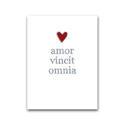 """Nobhilldesigners litet kort """"Amor vincit omnia"""""""