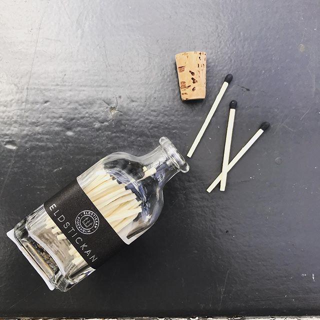 Eldstickan tändstickor refill svart