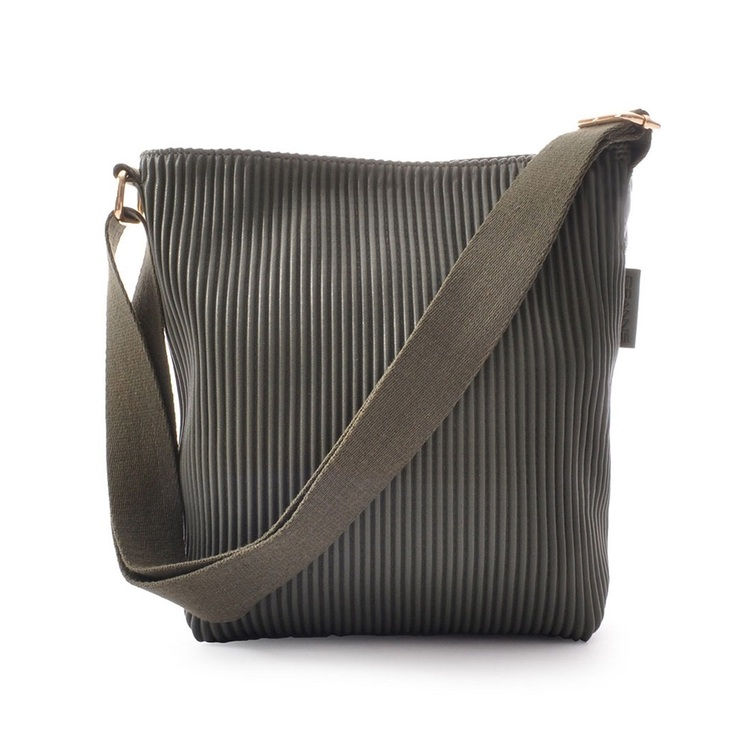 Ceannis Walnut Small Shoulder Bag green