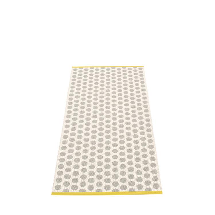 Pappelina matta Noa Warm grey · Vanilla · Mustard edge
