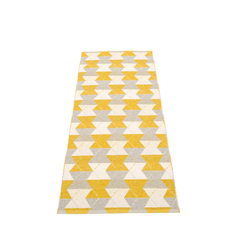Pappelina matta Trip Mustard · Linen · Vanilla