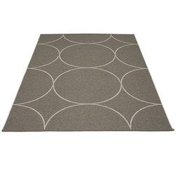 Pappelina matta Boo Charcoal · Linen 180x275 cm
