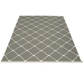 Pappelina matta Regina Charcoal · Vanilla 180x275 cm