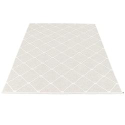 Pappelina matta Regina Fossil Grey · White 180x275 cm