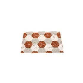 Pappelina matta Trip Rust · Linen · Vanilla 70x50 cm