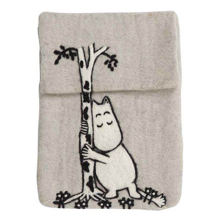Klippan Yllefabrik iPad-fodral Moomin Tree hug