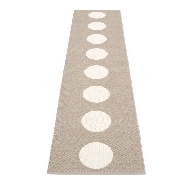 Pappelina matta Vera Mud · Vanilla 70x225 cm