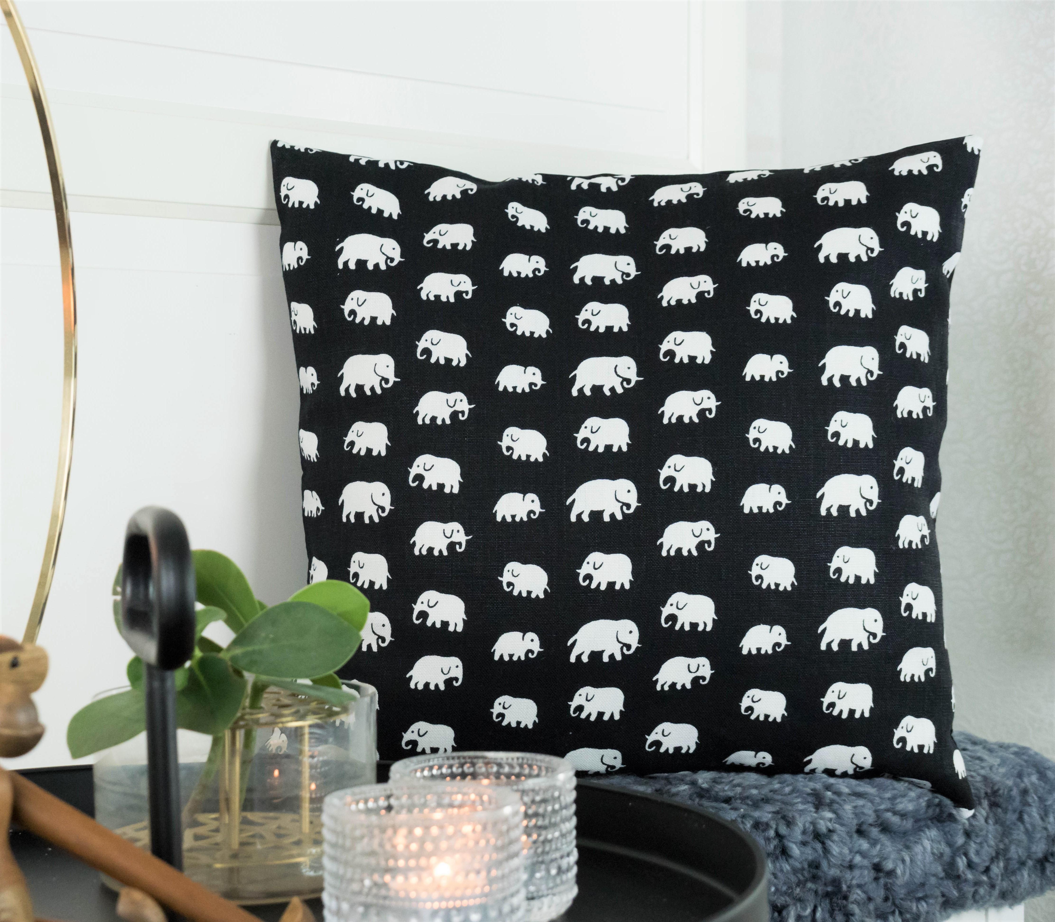 Elefant svart 50x50