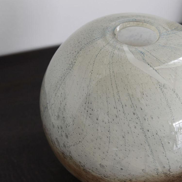 Blown vas