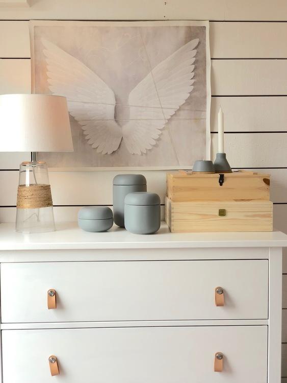 Ljusstakar i keramik och trä, set om två