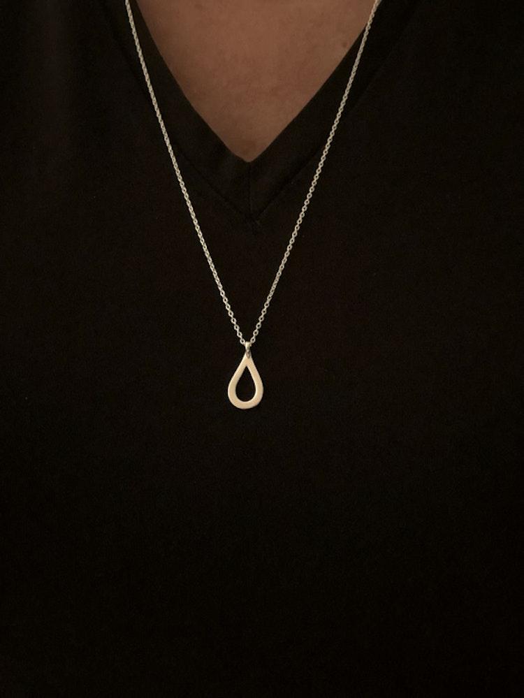 Silverhalsband Drop, design Annica Vallin