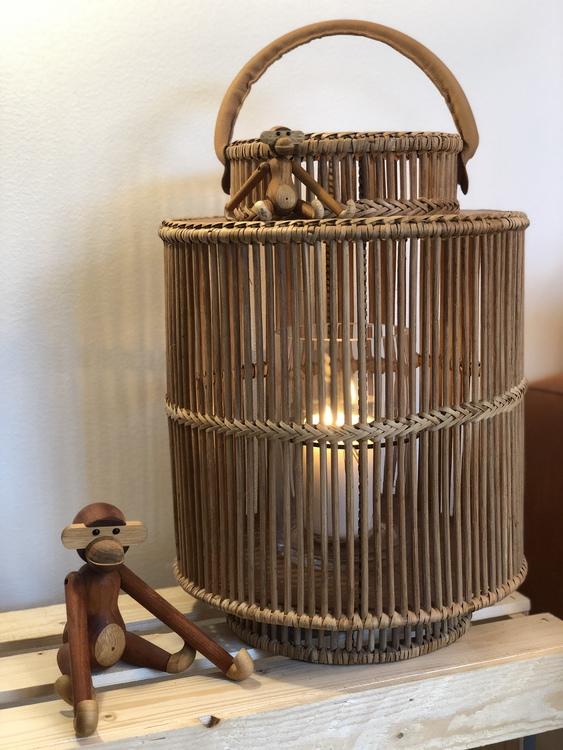 Kay Bojesen, apa mini, teak/limba, lanterna i bambu