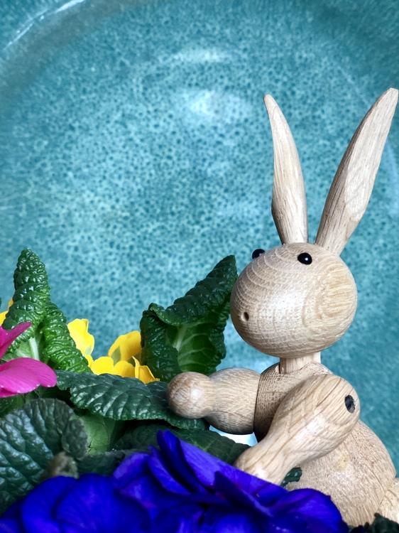 Kay Bojesen, kanin, fat Bitz och blommor
