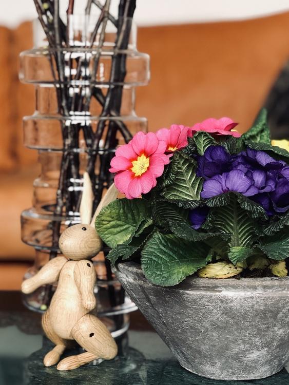 Kay Bojesen, kanin, Vako vatten från SMAELTA, blommor