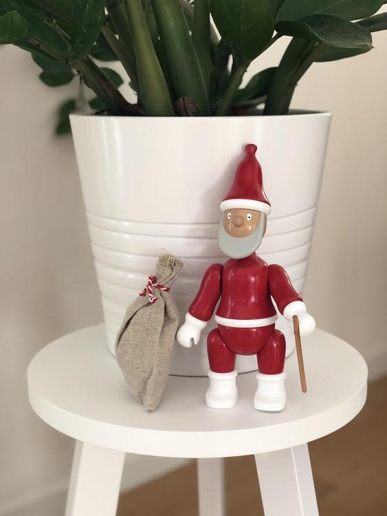 Kay Bojesen jultomte i målad bok, 20 cm