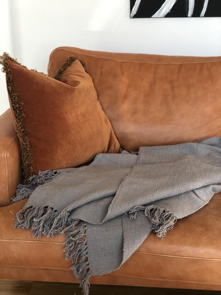 Grå Pläd Mysinge, Storefactory, soffa