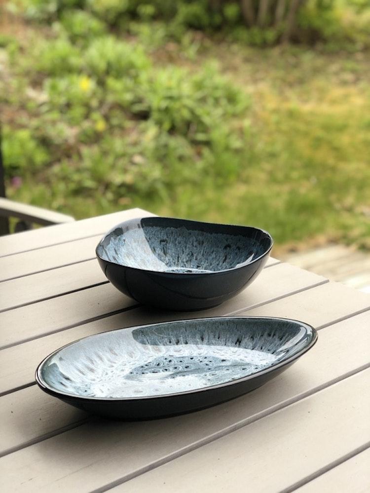 Skål Tavaha, A Simple Mess, diameter 23 cm, blågrå lasyr, fat Tavaha