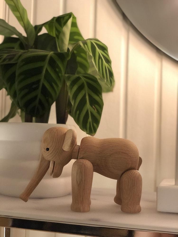 Kay Bojesen, elefant liten, ek, träfigur, kruka Mud vit, DBKD