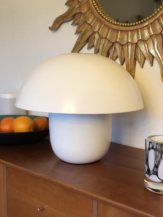 Bordslampa Carl-Johan, liten, vit, Olsson & Jensen, svamplampa, Bitz fat 40 cm