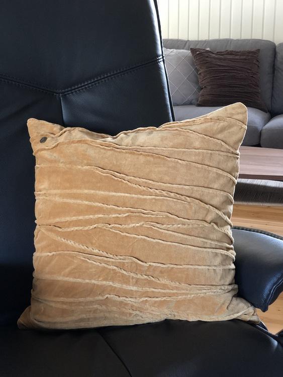 Kuddfodral Traces, gul, Jakobsdals textil, 50x50 cm