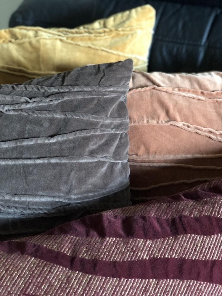 Kuddfodral Traces, gul, rosa, grå, Jakobsdals textil, 50x50 cm, kuddfodral Treasures 40x60 cm