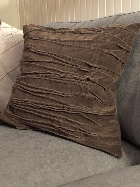 Kuddfodral Traces, grå, Jakobsdals textil, 50x50 cm, kuddfodral Jonna ljusgrå