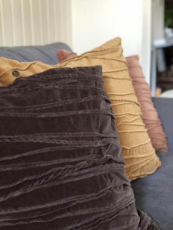 Kuddfodral Traces, grå, gul, rosa, Jakobsdals textil, 50x50 cm