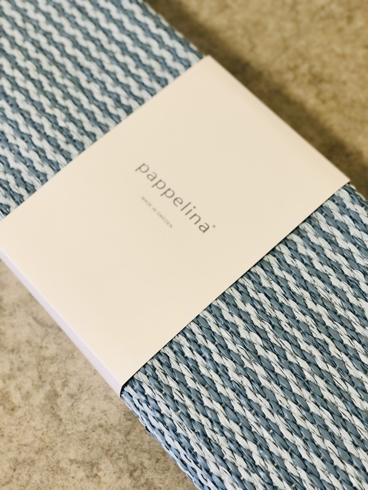 Matta MONO Misty blue/Ice blue, 60x250 cm, Pappelina, närbild