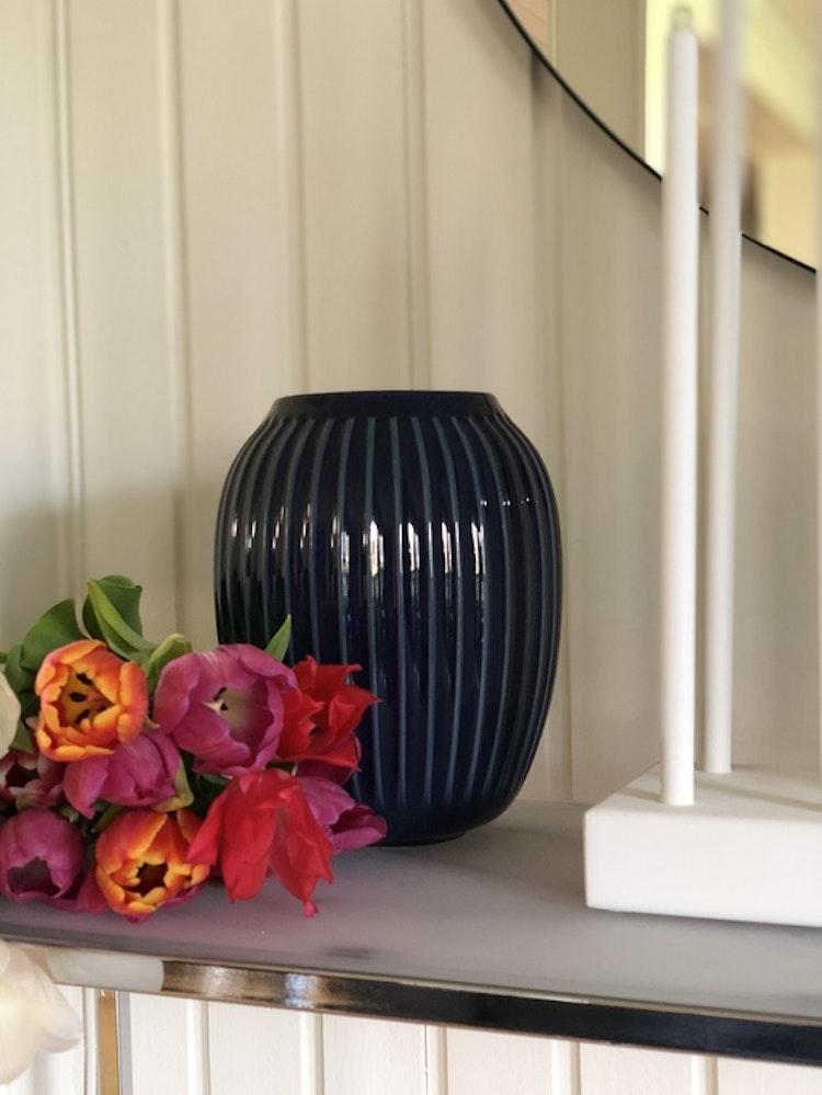 Vas Hammershøi 21 cm, indigo, Kähler, keramik
