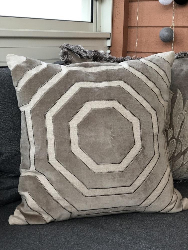 Kuddfodral Time, linne/sammet, ljus beige/grå,  T. Herman, 50x50 cm