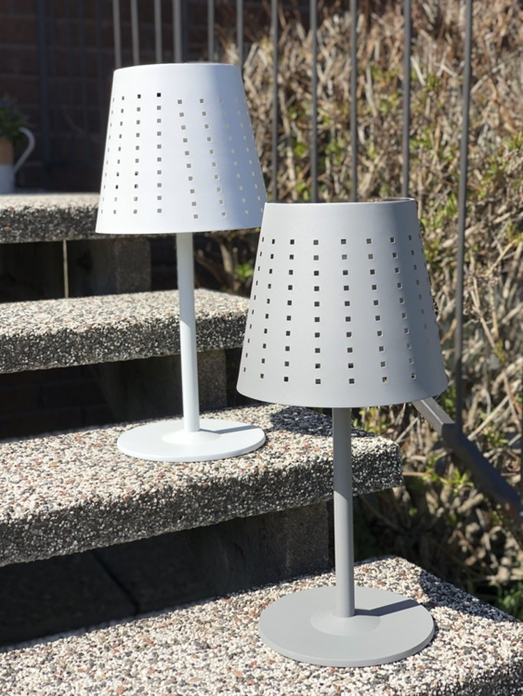 Utomhuslampa Alvar, grå metall, 48 cm, vit metall, solcellslampa