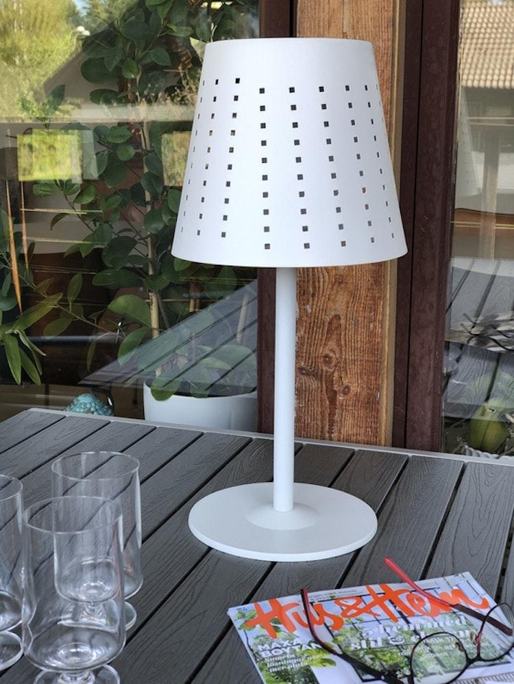 Utomhuslampa Alvar, vit metall, 48 cm, solcellslampa, glas Stub, 36 cl, 2-pack, Holmegaard