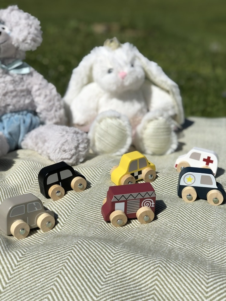 Leksaksbilar av trä i påse, 6 stycken, Bloomingville