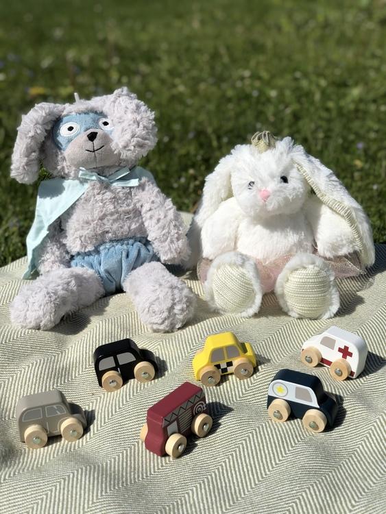 Leksaksbilar av trä i påse, 6 stycken, Bloomingville, gosedjur kanin Superhjälte, gosedjur Kaninprinsessa