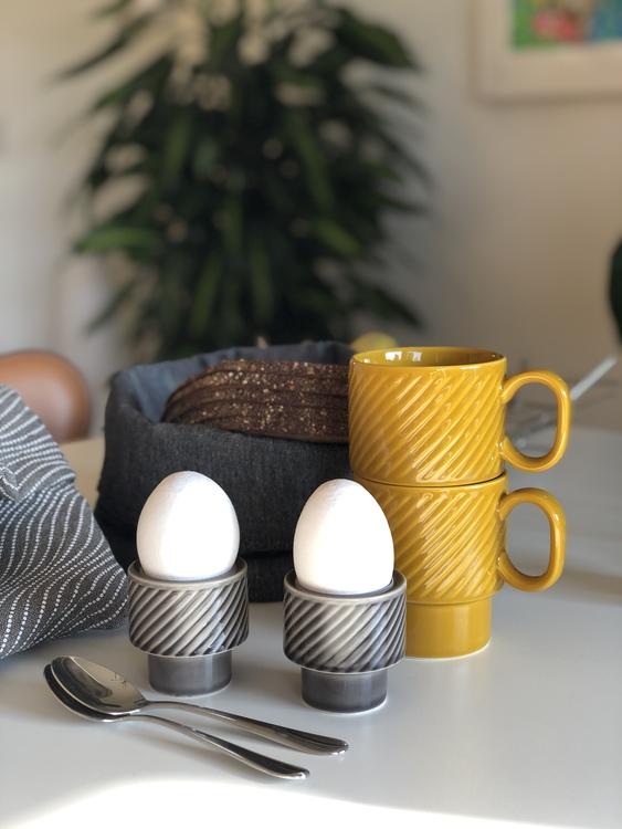 Coffee & More ljus/äggkopp, grå, Sagaform, gul kaffemugg
