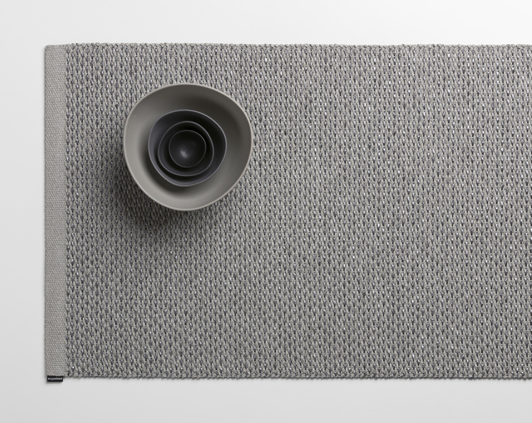Matta SVEA Warm grey/Granit metallic, 70x160 cm, Pappelina