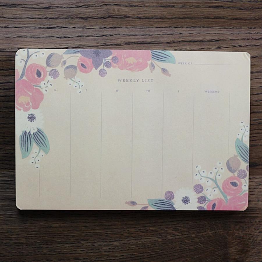 Weekly List, Full Bloom. Veckoplanerare i det blommiga tecknet. Organisera snyggt med veckoschema eller to-do list. Odaterad med avdragbar ark. The Arni Concept