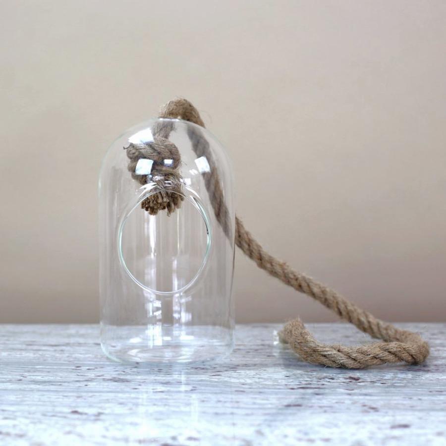 Ampel, Bubble. Munblåst glasbubbla med avtagbart jute-rep för eventuell upphängning. The Arni Concept