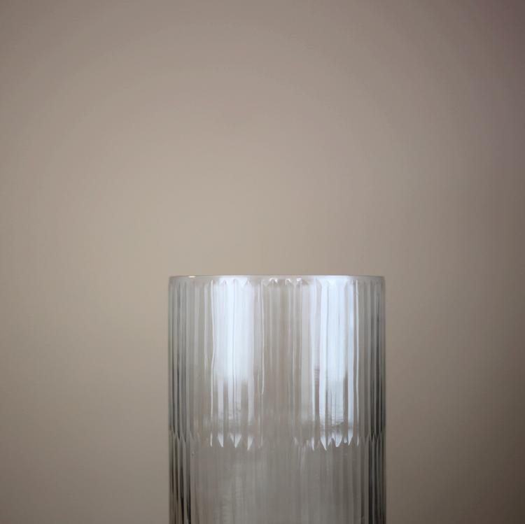 Mary Vase, 25 cm