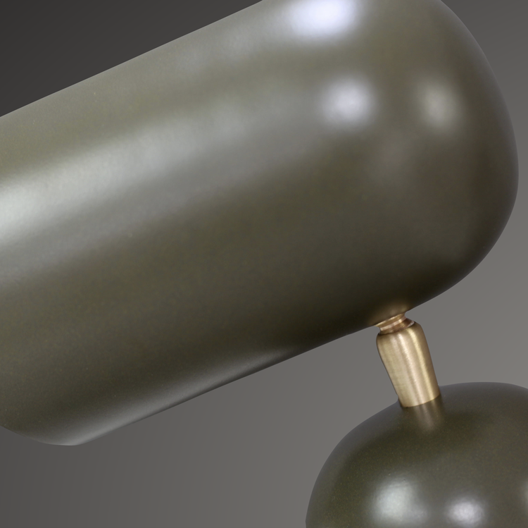 Como Bordslampa, Olivgrön. Grön metall med mässingsfärgade detaljer. H30 L33,D10 cm. The Arni Concept